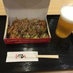 大阪で食べたたこ焼きの味はもんじゃ焼きだったよ!