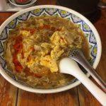 酸辣湯麺(サンラータンメン)を中国名人料理 揚州商人(ようしゅうしょうにん)で食べました。