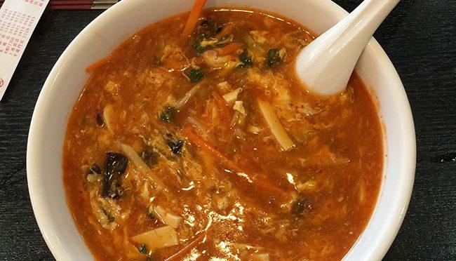 【中華料理 桂園(けいえん)】酸辣湯麵麺(サンラータンメン)と青梗菜(ちんげんさい)の塩炒めをランチで食べてみた